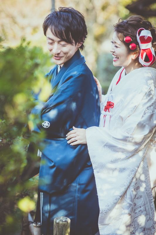白無垢に綿帽子で前撮りをされた和装花嫁さまをご紹介いたします。:かわいらしい花嫁さまの笑顔にぴったりの白無垢姿ですね
