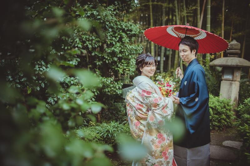 CUCURUフォトプランでロケーション撮影をされた和装花嫁さまをご紹介いたします(色打掛)
