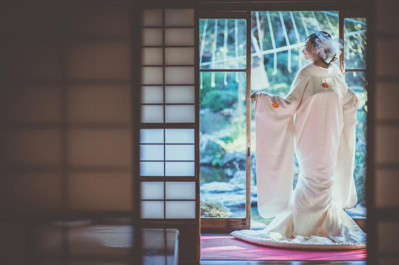 CUCURUフォトプランでロケーション撮影をされた和装花嫁さまののご紹介です(白無垢)