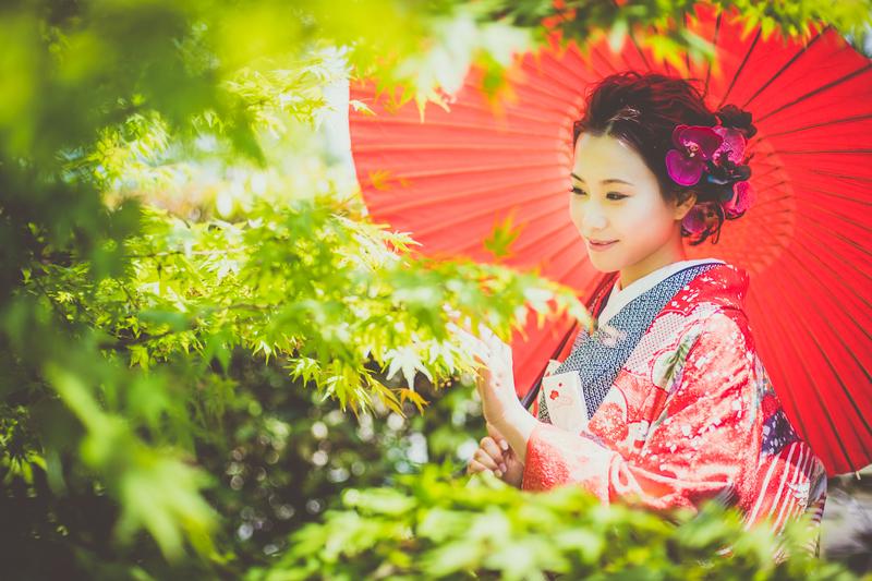 色打掛で前撮り撮影をされた花嫁さまをご紹介させていただきます。