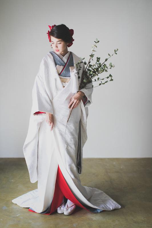 白無垢にも鴛鴦は描かれています。