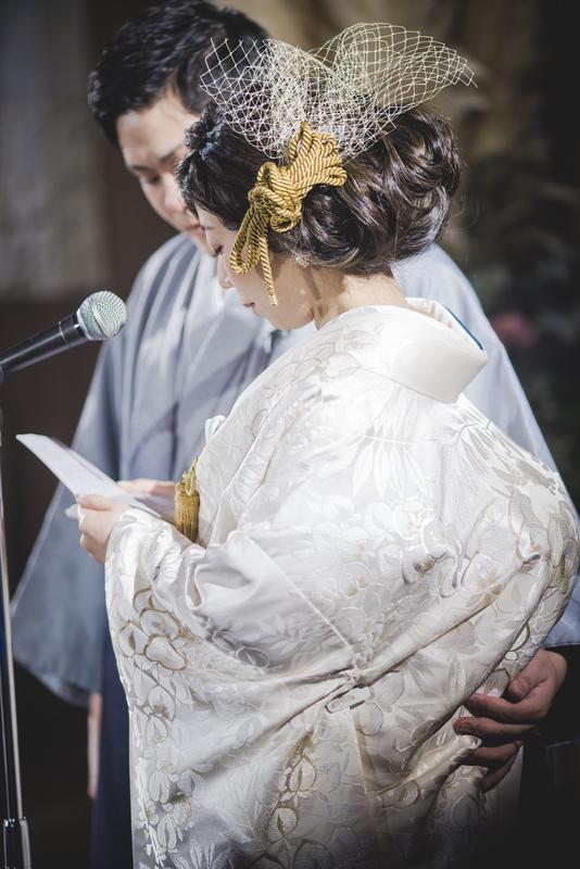 CUCURUの白無垢でグランドハイアット東京でのお式をされた先輩花嫁さま。ヘッドドレスもCUCURU。