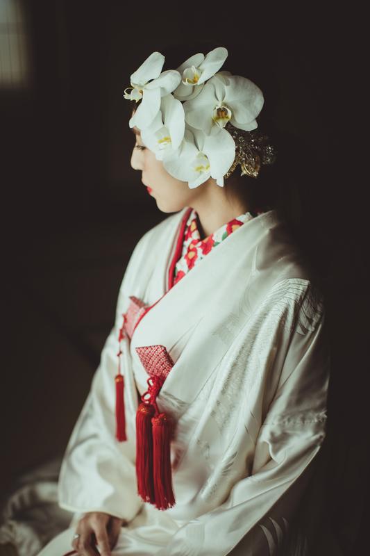 白無垢に胡蝶蘭