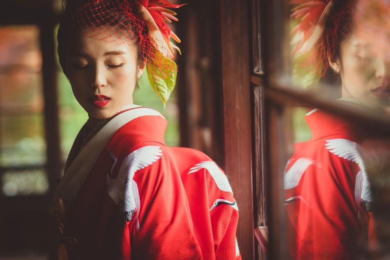 色打掛に手作りのヘッドドレス