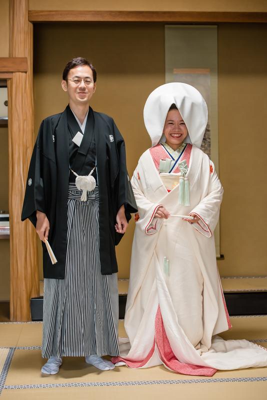 鶴岡八幡宮でお式をされた和装花嫁さまをご紹介いたします(白無垢・綿帽子):白無垢に綿帽子で挙式をされた先輩花嫁さま